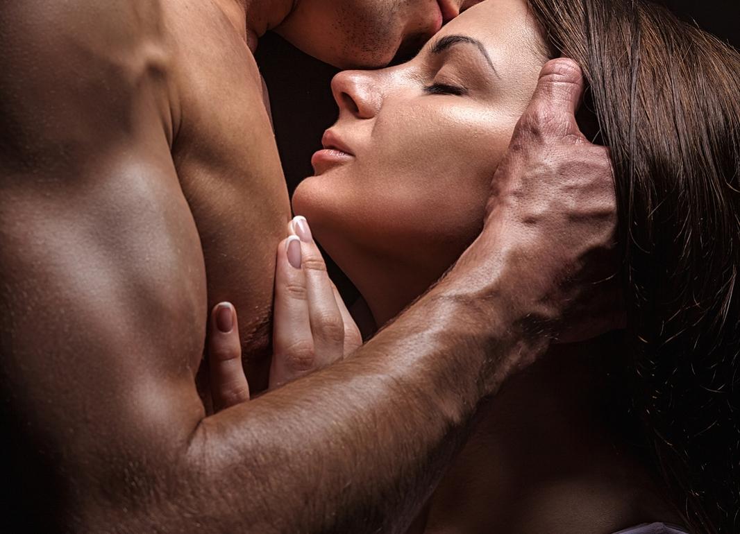 Coppia passione intensa emozione. Gli innamorati sono sempre appassionati.