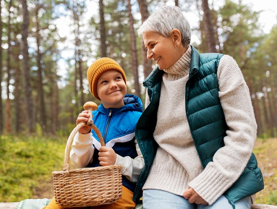 Amore Nonni e Nipoti. La gioia di fare tante cose divertenti e affettive.